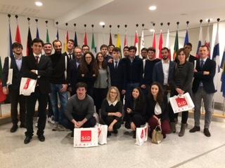 """Sottosopra. Incontri e lezione """"Corsa alla terra"""" al Parlamento Europeo a Bruxelles"""